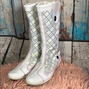Timberland White Snow/Rain Boots 🎉 Host Pick 🎉